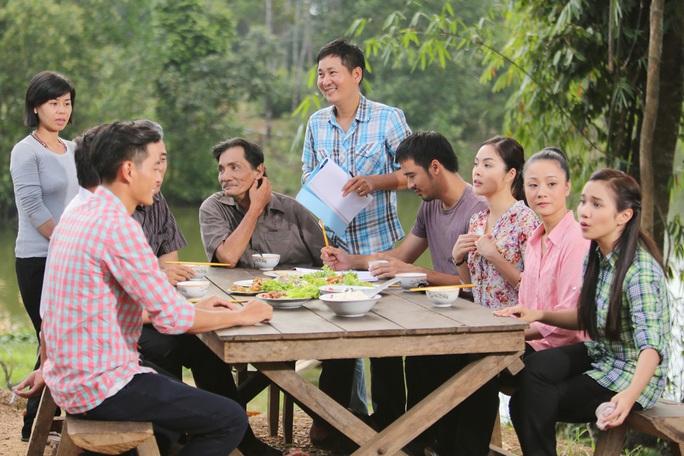 Đạo diễn Lê Minh trên trường quay