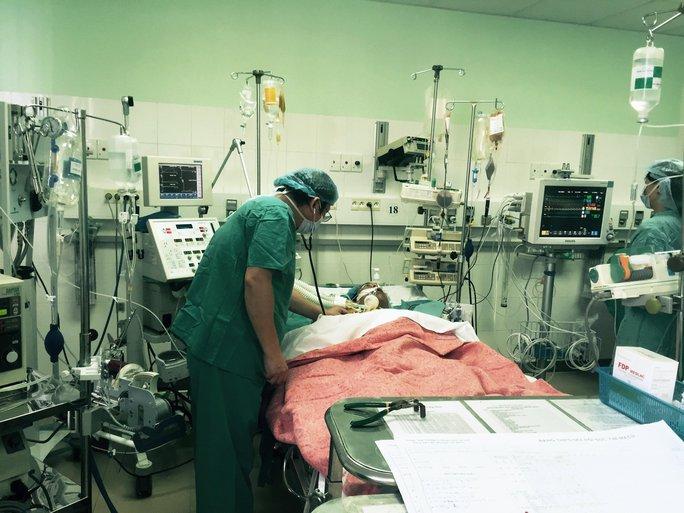 Bệnh nhân đang được chăm sóc đặc biệt sau ghép. Ảnh do bệnh viện cung cấp