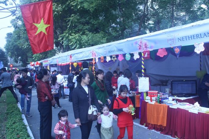 Hội chợ có 67 gian hàng với đặc trưng văn hóa đến từ hơn 30 quốc gia