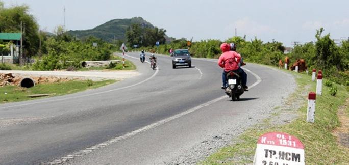 Đến sáng nay 16-4, đoàn xe dài gần 30 km trên Quốc lộ 1, từ eo biển Cà Ná (giáp ranh 2 tỉnh Ninh Thuận – Bình Thuận) đến huyện Tuy Phong (Bình Thuận) đã được giải tỏa, sau 2 ngày bị kẹt cứ