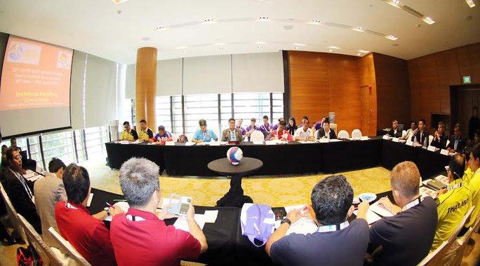 Toàn cảnh buổi họp kỹ thuật môn bóng đá nam SEA Games 28 sáng 28-5