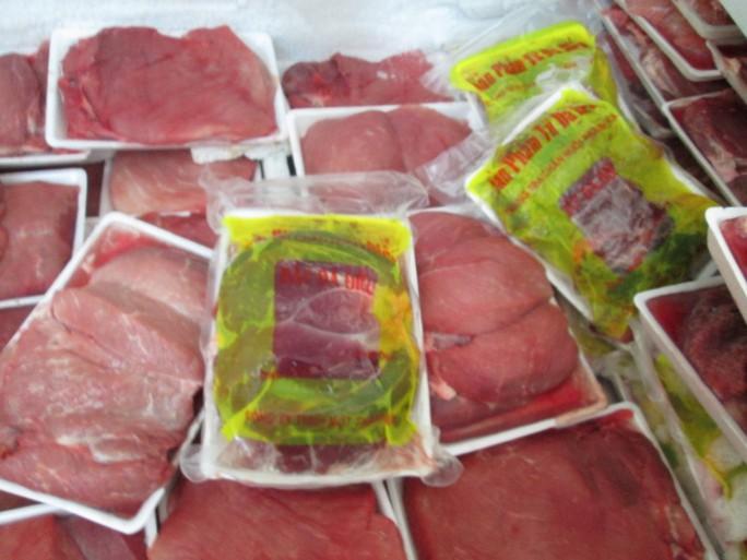 Thịt heo được cấp đông trước khi đóng gói