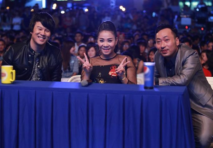 Bộ ba giám khảo Vietnam Idol 2015