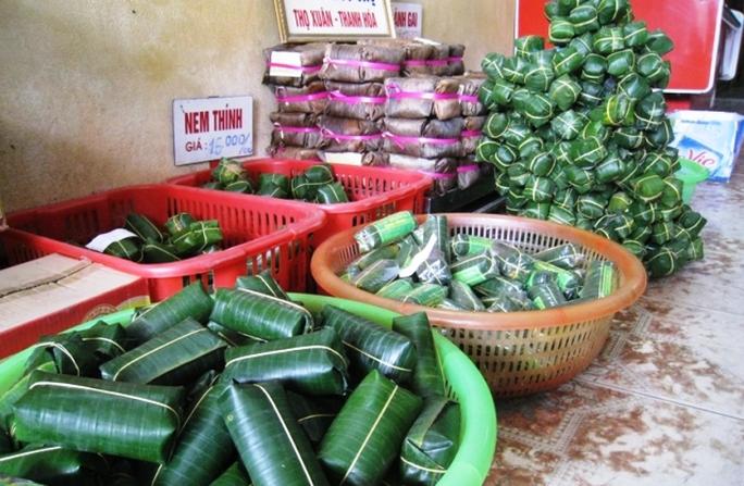 Nem chua đã tăng giá gấn rưỡi, gấp đôi ngày thường nhưng nhiều cơ sở đã cháy hàng