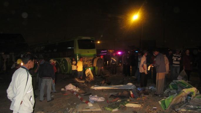 Tai nạn đối đầu giữa 2 xe khách khiến ít nhất 10 hành khách tử vong tại Bình Thuận, rạng sáng 9-2