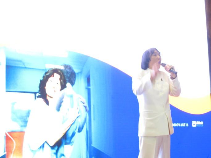 NSƯT Minh Vươngt xúc động khi tham gia lễ vinh danh