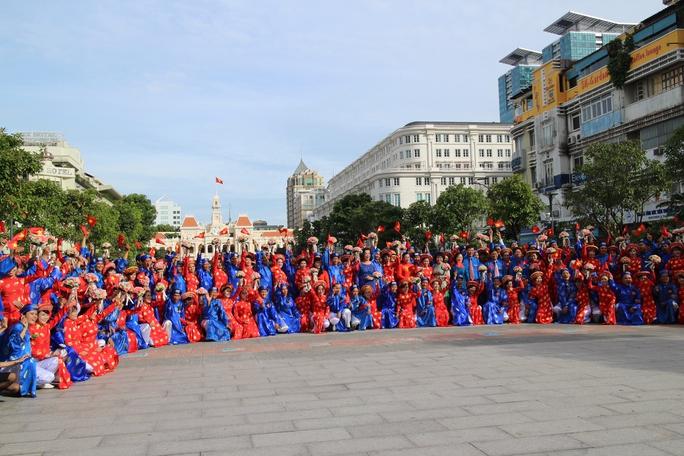 100 cặp uyên ương nên duyên mừng Ngày Quốc khánh nước Cộng hòa Xã hội Chủ nghĩa Việt Nam