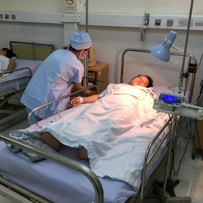 Sản phụ Trâm có nhóm máu rất hiếm AB- đã được bác sĩ của bệnh viện hiến máu cứu ngay trên bàn mổ
