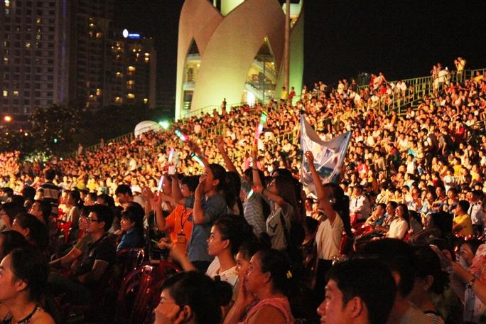 Fanclub Mỹ Tâm tại Nha Trang cổ vũ nhiệt tình cho thần tượng