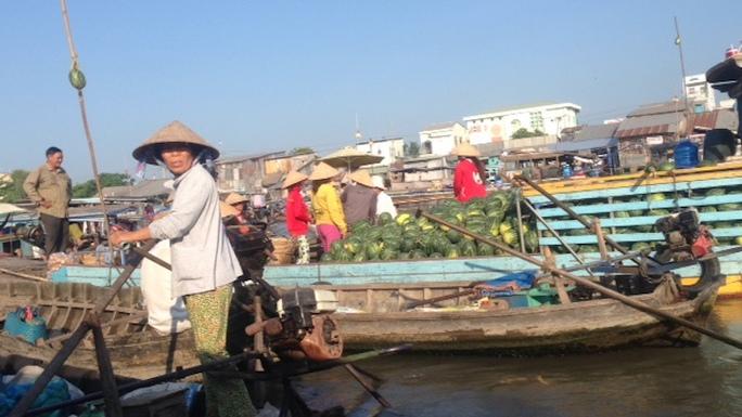 Chợ nổi Cái Răng là một điểm du lịch nổi tiếng của Cần Thơ