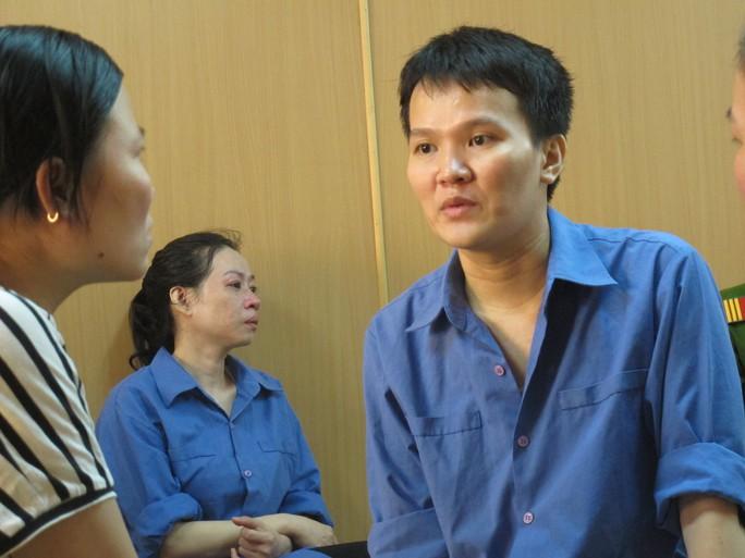 Bị cáo Võ Ngọc Phượng và Lữ Chí Hào trong giờ nghị án