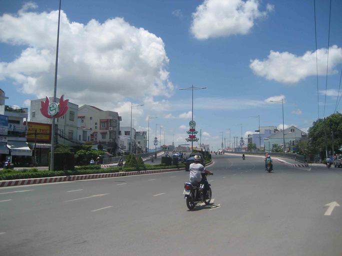 Cầu Rạch Ngỗng 1 nối trung tâm TP Cần Thơ với đường lên sân bay quốc tế Cần Thơ