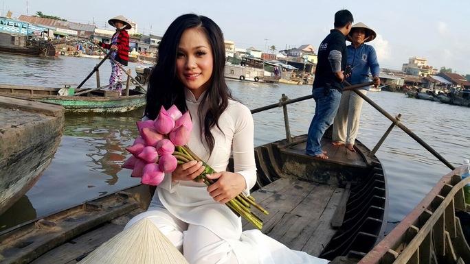 Nữ ca sĩ hải ngoại hết lòng vì MV về Việt Nam
