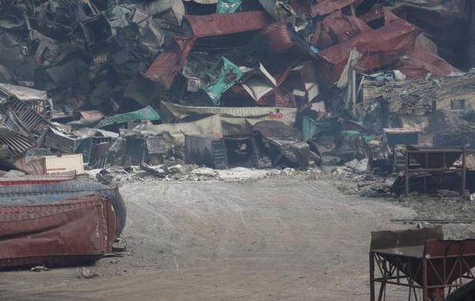 8月17日,天津滨海新区爆炸事故现场。 澎湃新闻记者 权义 图