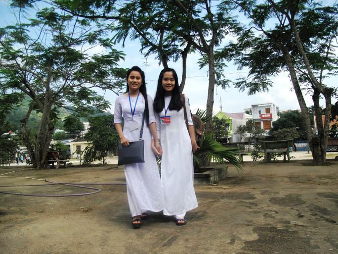 Nữ sinh trường THPT Lê Lợi (La Hai) xinh tươi