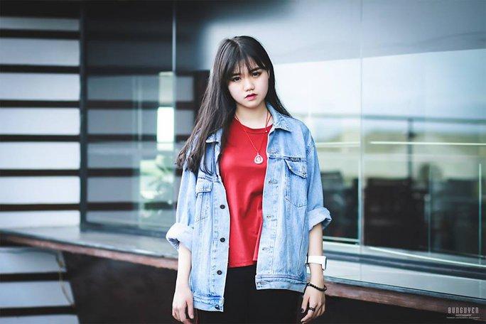 Người đẹp đến từ La Hai Võ Bảo Châu, học sinh lớp 11CD3, Trường THPT Nguyễn Huệ (TP Tuy Hòa)