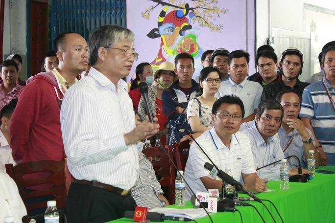 Thử trưởng Bộ LĐ-TB-XH Doãn Mậu Diệp, giải thích Luật BHXH cho công nhân Công ty Pou Yuen Ảnh: KHÁNH AN