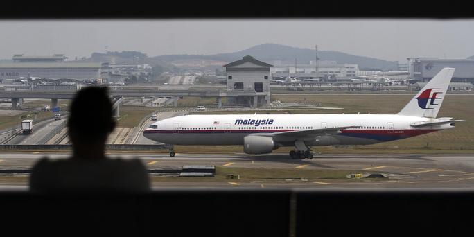 Máy bay Malaysia hạ cánh khẩn vì…hư cả 6 toilet