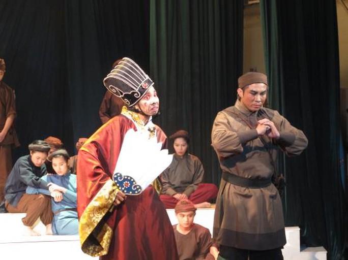 Tối 27-2, vở Mai Hắc Đế chính thức ra mắt khán giả Hà Nội, sau đó sẽ đến với khán giả Nghệ An