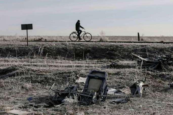 Hiện trường Mh17 rơi ở làng Grabovo thuộc Donetsk, miền Đông Ukraine. Ảnh: Reuters