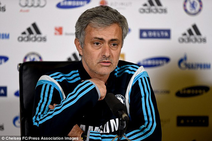 HLV Mourinho: Nếu Cech muốn đi tôi sẽ không giữ