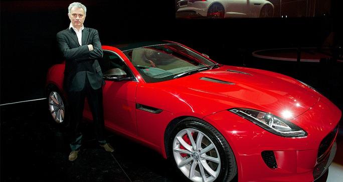 Ông Mourinho trong một lần quảng cáo xe hơi