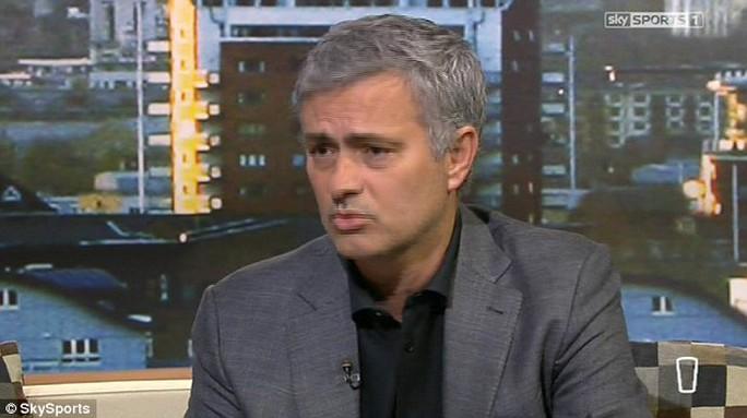 Ông Mourinho trong buổi trò chuyện với Sky Sport sau trận hhòa Burnley gây tranh cãi của Chelesa