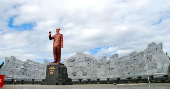 Một mô hình tượng đài Chủ tịch Hồ Chí Minh - Ảnh minh họa