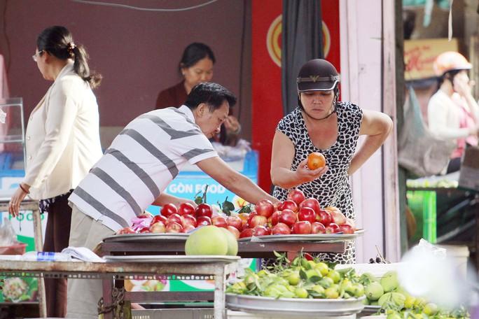 Mua hàng ngày cận tết (chợ Bắc Ninh- quận Thủ Đức)