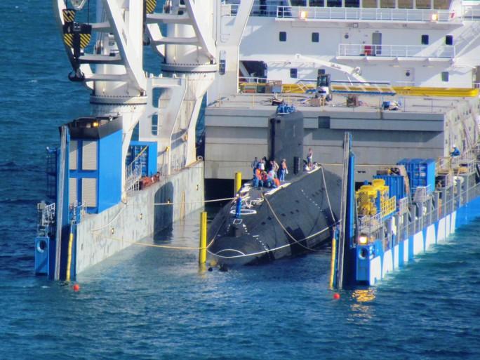 Nước ngập khoang tàu ngầm Kilo Hải Phòng