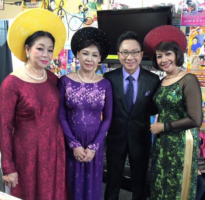 Thanh Tùng, Ngân Hà và chị em ca sĩ Ngọc Yến, Ngọc Điệp tại Mỹ