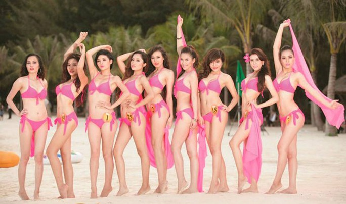 cuộc thi Nữ hoàng biển 2013 vướng nhiều sai phạm khiến Cục Nghệ thuật biểu diễn phải rút giấy phép