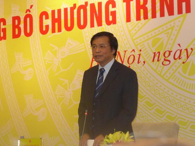 Chủ nhiệm Văn phòng Quốc hội Nguyễn Hạnh Phúc trả lời tại buổi họp báo sáng 19-5. Ảnh: Thế Dũng