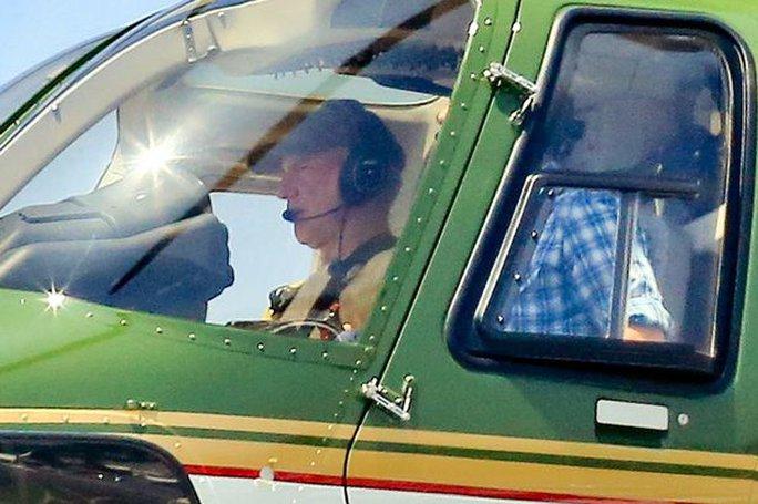 Ông lái trực thăng và lần đầu trở lại bầu trời sau tai nạn