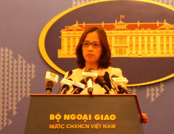 Phó Phát ngôn Bộ Ngoại giao Việt Nam khẳng định việc Việt Nam cử tàu tìm kiếm cứu nạn ra quần đảo Hoàng Sa là hoạt động bình thường, hợp pháp.