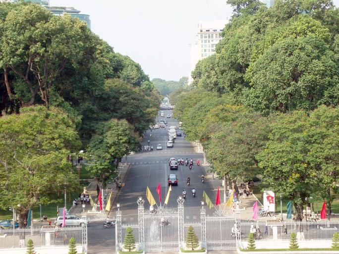 Khu vực đường Lê Duẩn, trước Dinh Thống nhất là khu vực lễ đài chính diễn ra mít-tinh dịp lễ 30-4
