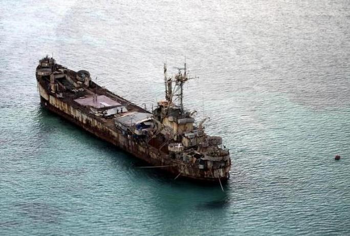 Tàu Sierra Madre được xem là tiền đồn của Philippines tại bãi Cỏ Mây (thuộc quần đảo Trường Sa của Việt Nam). Ảnh: Reuters