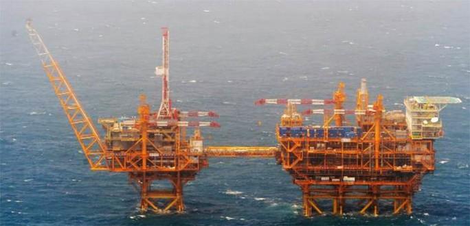 Ảnh chụp giàn khoan dầu khí của Trung Quốc ở biển Hoa Đông mà Nhật Bản mới công bố. Ảnh: Bộ Quốc phòng Nhật Bản