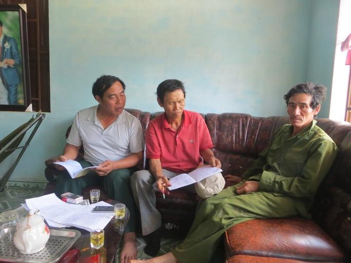 Người lao động nghèo bức xúc và phản ánh vì bị nhà thầu quỵt nợ với Phóng viên