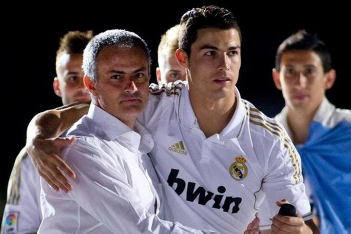 Zidane chuẩn bị nhận trát sa thải, Mourinho thay ghế nóng Real Madrid? - Ảnh 7.