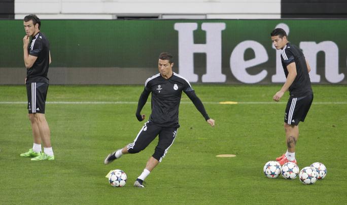 Ronaldo và đồng đội tập luyện chuẩn bị đại chiến với Juventus