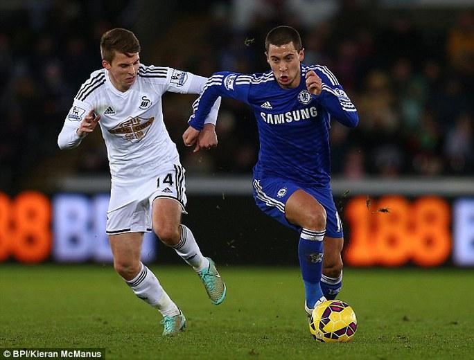 Cả Hazard và Costa (ảnh dưới) đều có phong độ rất tốt và sẵn sàng khiến Liverpool ôm hận thêm lần nữa