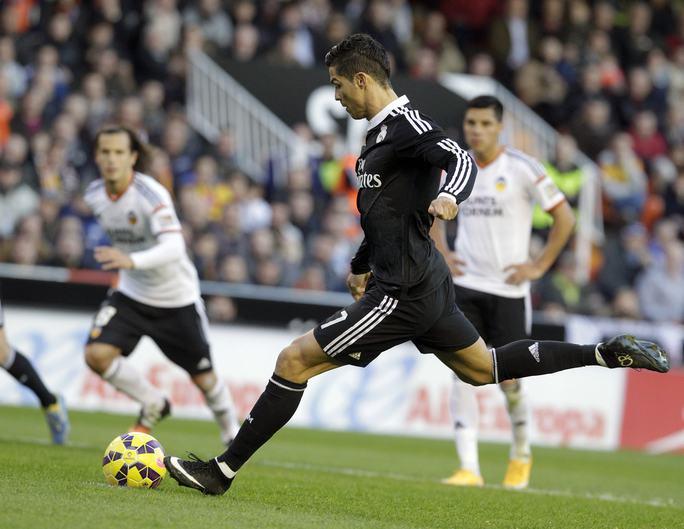 Ronaldo ghi bàn mở tỉ số cho Real Madrid