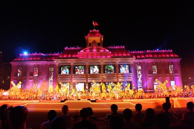 Sắc màu rực rỡ Festival Biển 2015