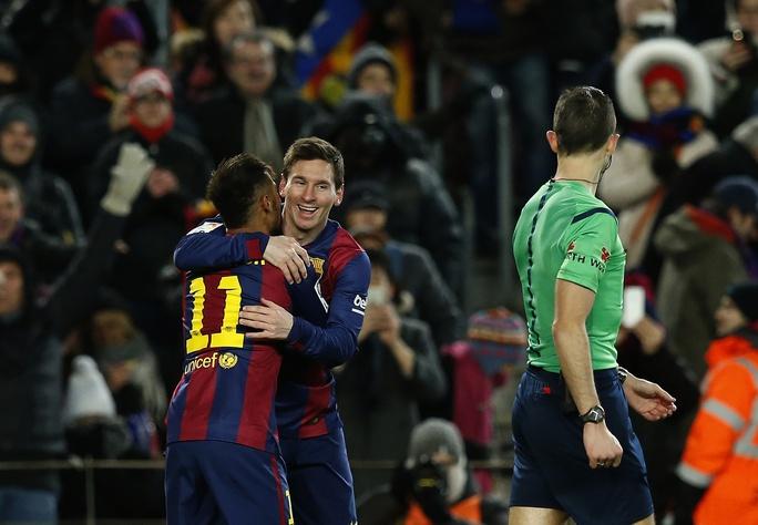 Messi và Neymar của Barcelona đang có phong độ tốt