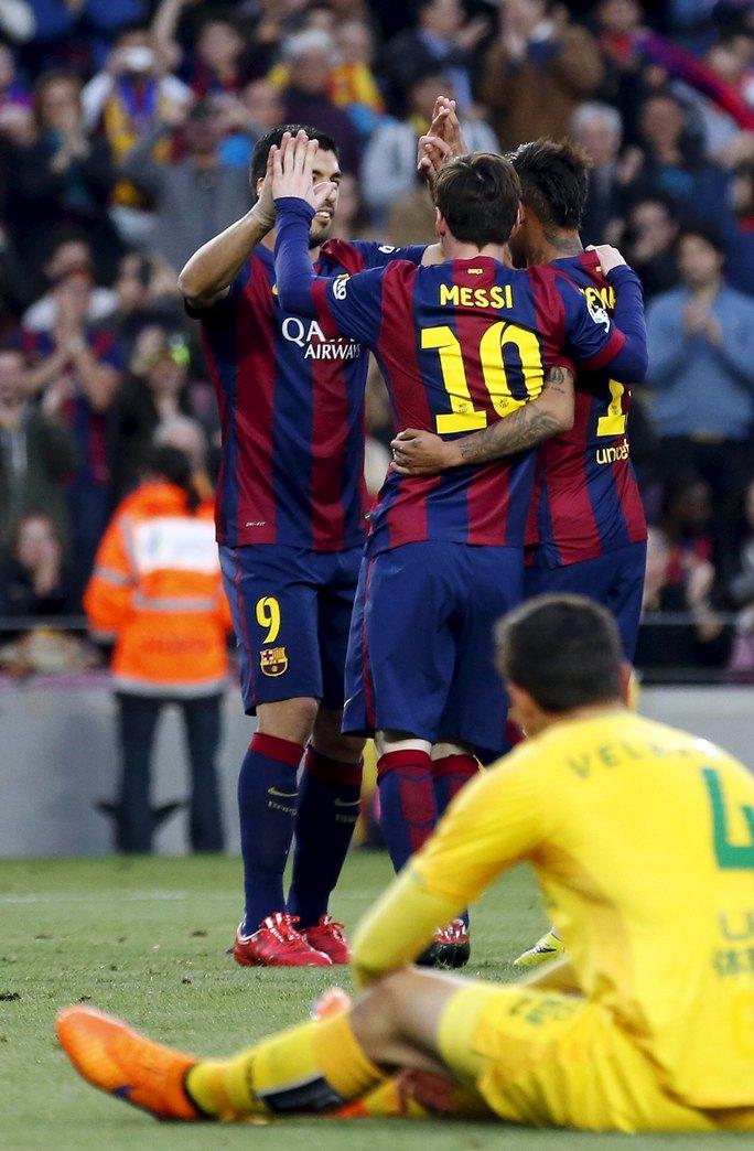 Messi - Neymar - Suarez vượt mốc 100 bàn, ăn đứt bộ 3 Real