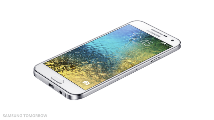 Ra mắt Galaxy E5 và E7 vỏ nhựa nguyên khối