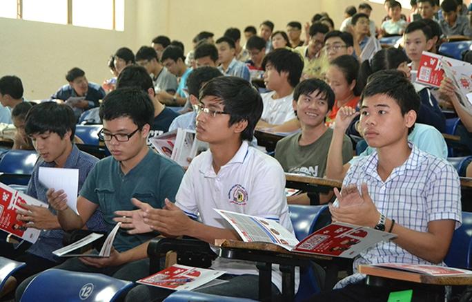 ĐH Đà Nẵng: Sáng thông báo đi học, chiều phát công văn  cho nghỉ đến 23-2 - Ảnh 1.