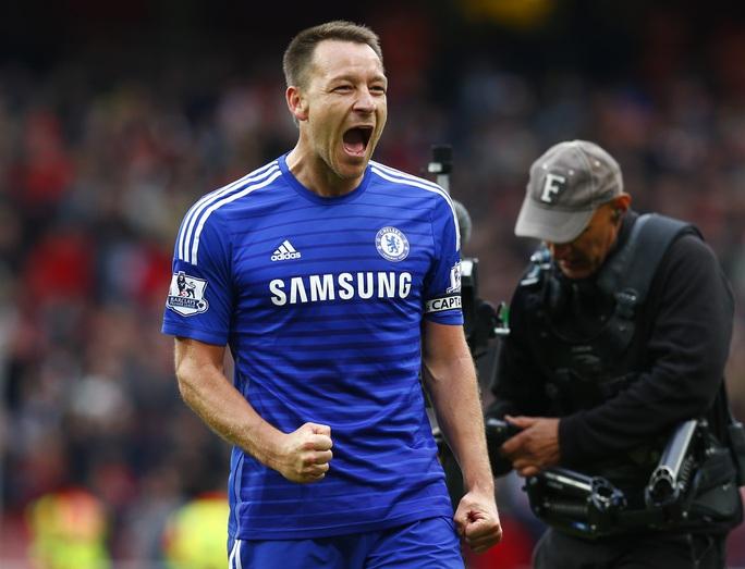Terry phấn khích khi cùng Chelsea vượt ải Arsenal, tiến sát hơn đến cúp vô địch
