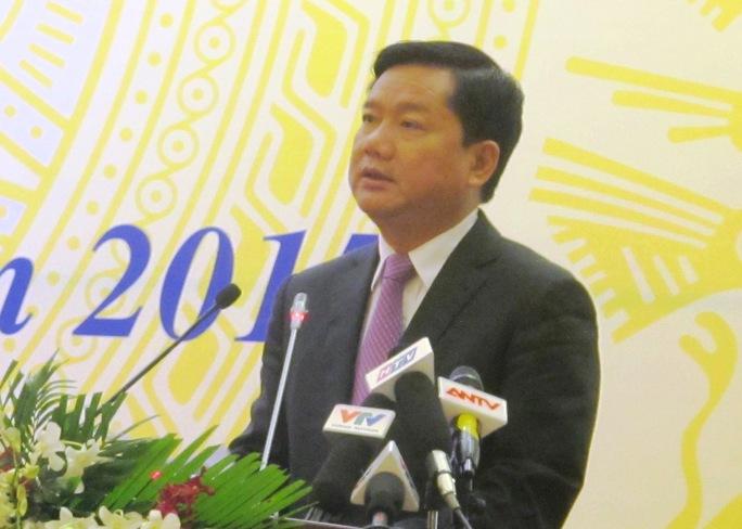 Bộ trưởng Đinh La Thăng phát biểu tại hội nghị ngày 19-1